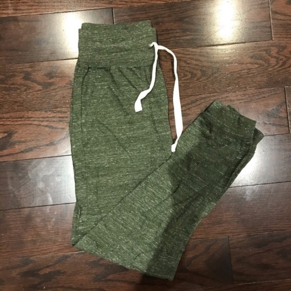 Forever 21 Women's Olive Green Joggers/Sweatpants